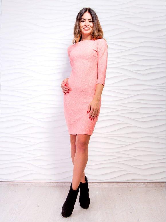 розовое облегающее платье фото