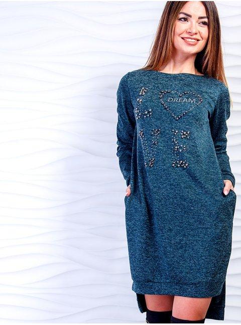 Стильное платье с надписями из жемчуга и удлинённой спинкой. Арт.2489