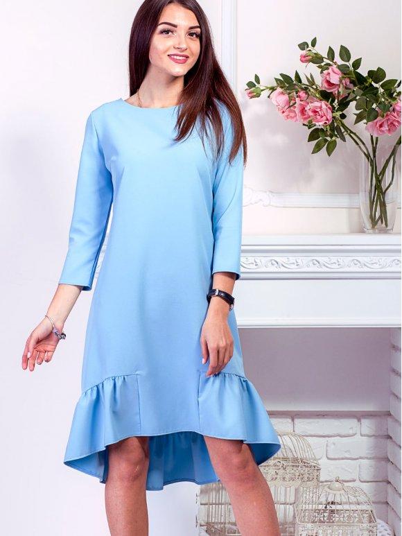 голубое платье с рюшей по низу фото
