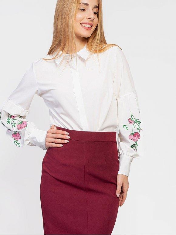 Нарядная блуза с роскошной вышивкой на рукавах 2944