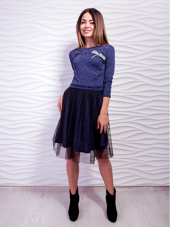 Красивое платье, украшенное жемчугом и юбкой из евросетки. Арт.2453