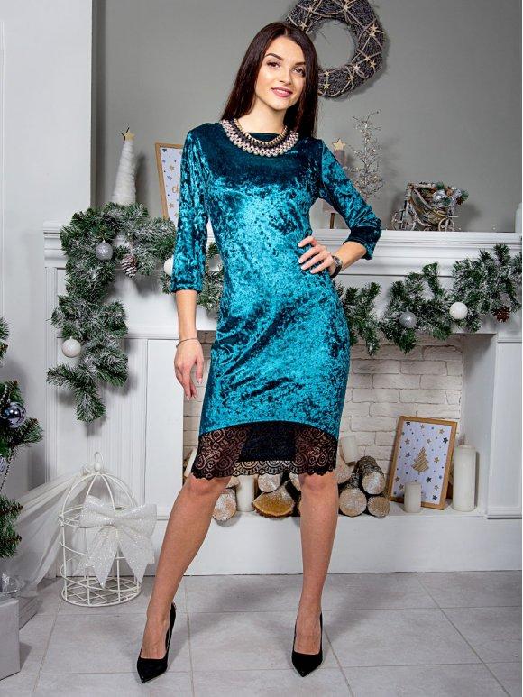 зеленое велюровое платье с кружевом по низу фото