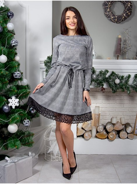 Нарядное клетчатое платье на кулиске с кружевом по низу. Арт.2556