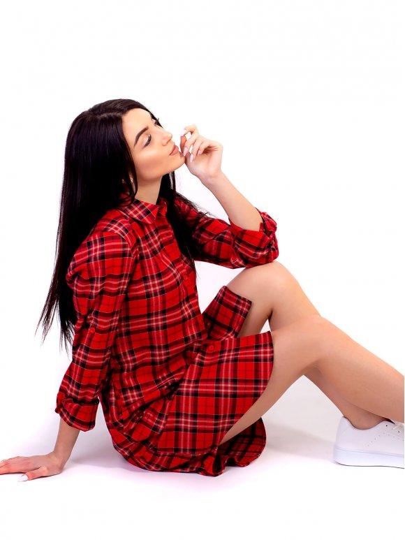красное платье-рубашка в клетку А-силуэта фото