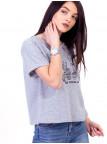 Укороченная футболка со стильной вышивкой 2628