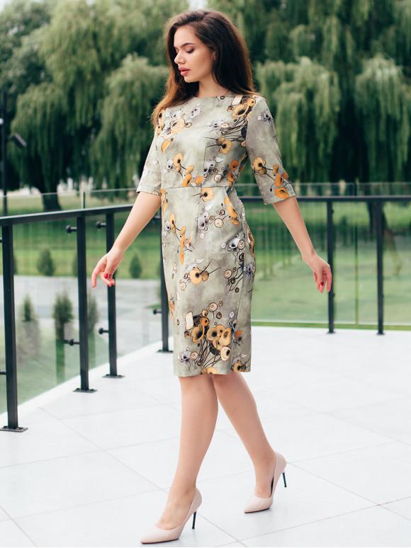 Платье в цветочный принт 2800