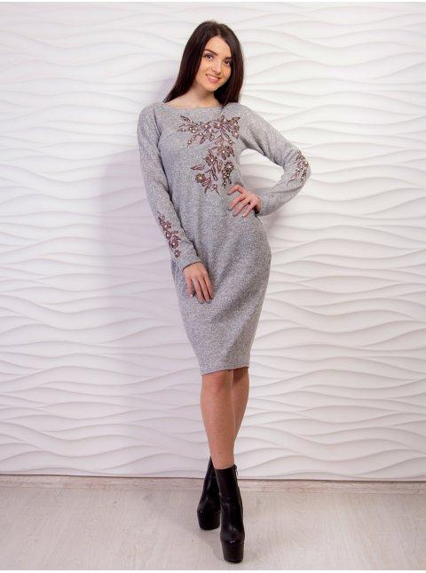 Трикотажное платье с цветочной вышивкой. Арт.2157