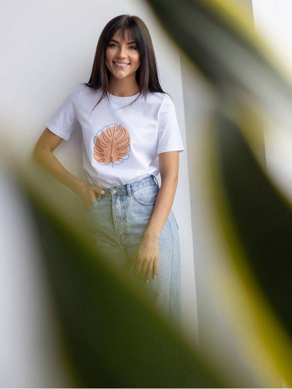 Модная белая футболка с флоральным принтом 3194