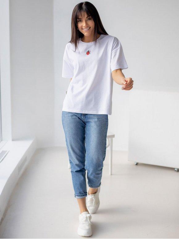 Белая футболка с вышивкой 3201