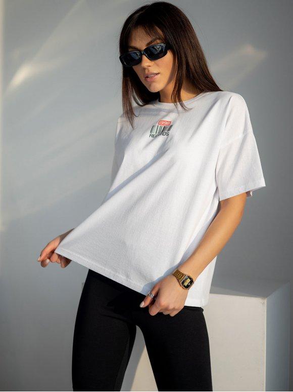 Белая футболка с оригинальным принтом 3217