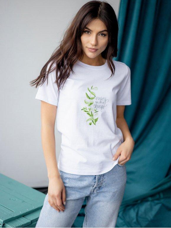 белая футболка с цветным принтом 3214