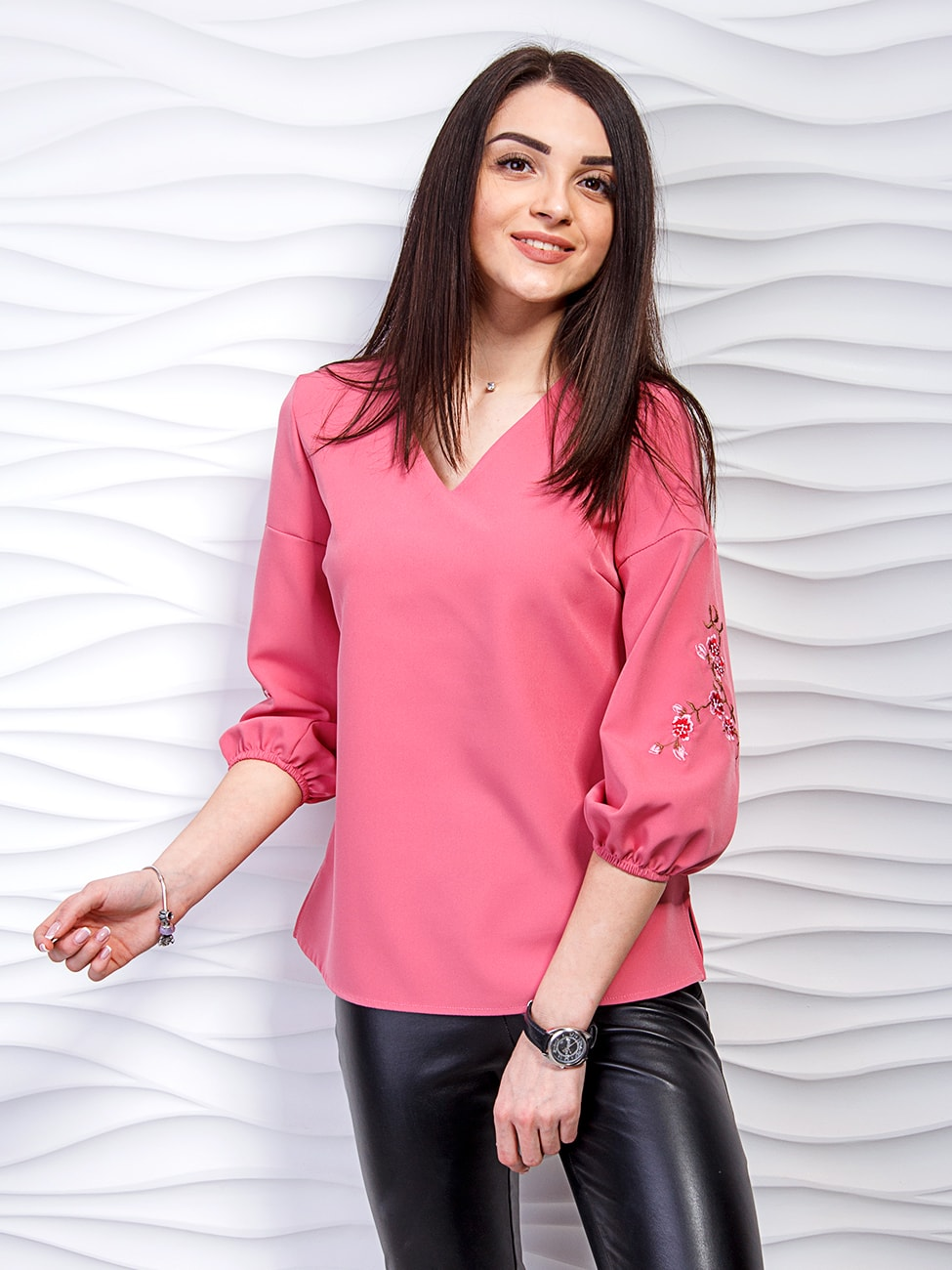 Легка блуза з вишивкою на рукавах. Арт.2236 16acfd5ae9d85